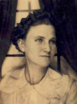 Lucille Willis, 1927